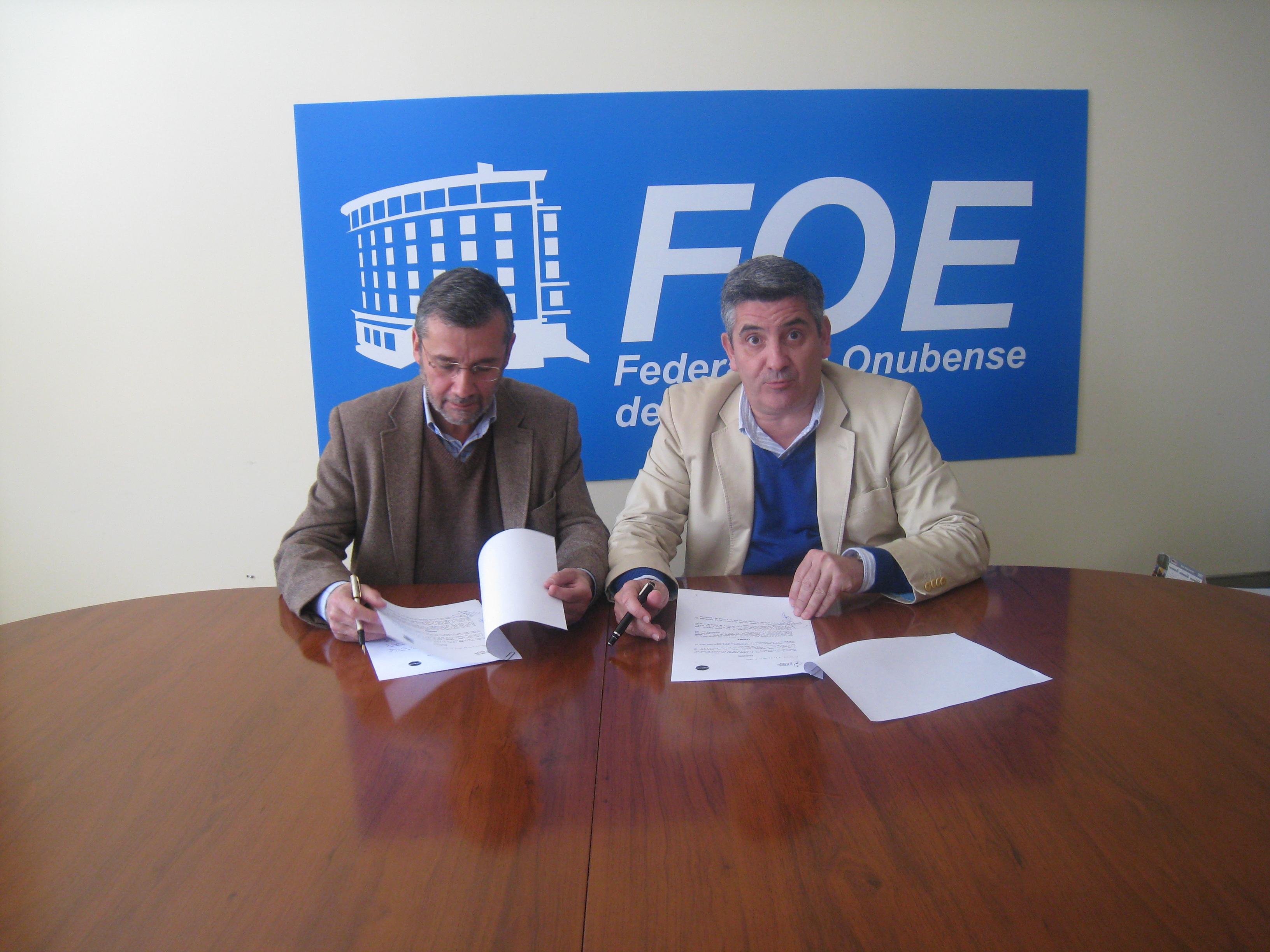 La Asociación de la Prensa de Huelva y ASERCOM firman un convenio de colaboración